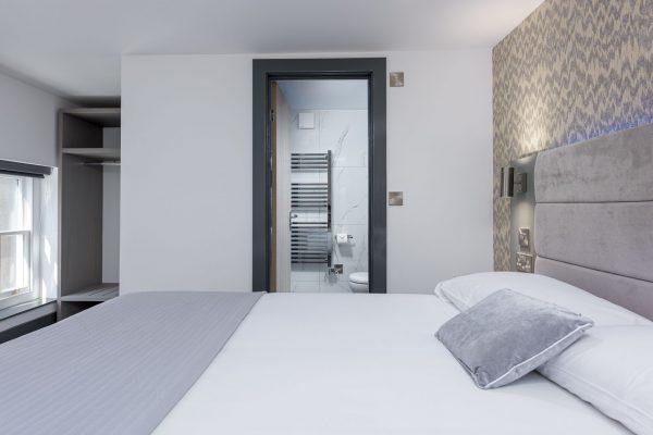 Room 10-1-2